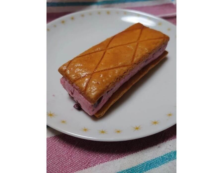 ローソン「華いろいちごバタービスキュイサンド」